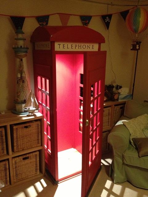 A discrete reading box!